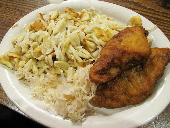 Webo's Restaurant:                   Lenten plate at Webos: knoephle, kraut, & fried fish
