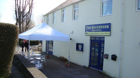 ‪Riverbank Restaurant‬