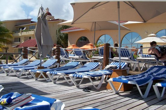 All Ritmo Cancun Resort & Waterpark:                   pooldeck