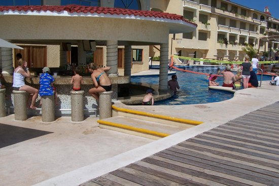 All Ritmo Cancun Resort & Waterpark:                   pool with bar