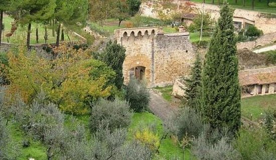 Residenza d'Epoca Palazzo Buonaccorsi: the gate of medieval sources