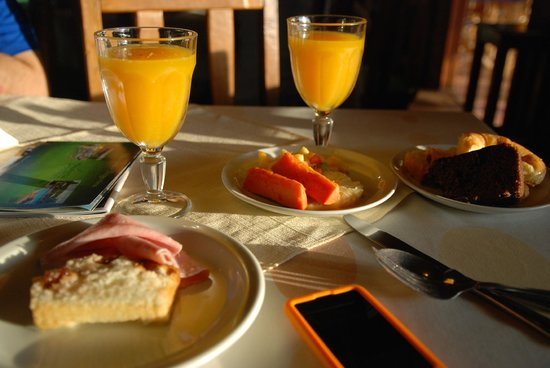 Jasy Hotel:                   Fresh squeezed orange juice and breakfast