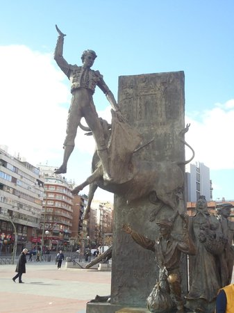 Bullfighting statue - Picture of Plaza de Toros las Ventas, Madrid - TripAdvisor