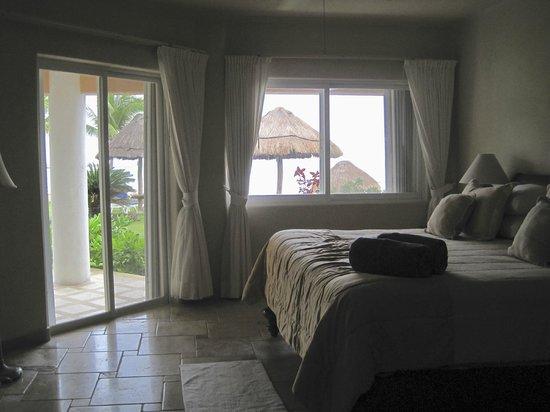 Villas del Mar 2:                   Master