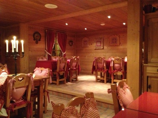 Le Cerf Amoureux : salle a manger