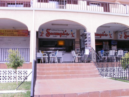 Scampis Tenerife Fish and Chips:                   front of the shop