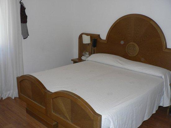 Grand Hotel Biancaneve :                   letto matrimoniale