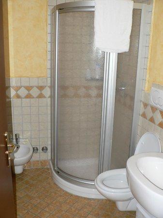 Grand Hotel Biancaneve :                   angolo doccia