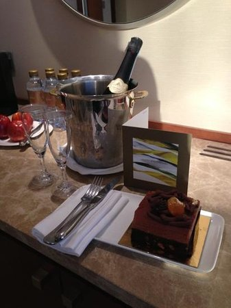 Jumeirah Beach Hotel:                                                       Anniversary treat - so thoughtful