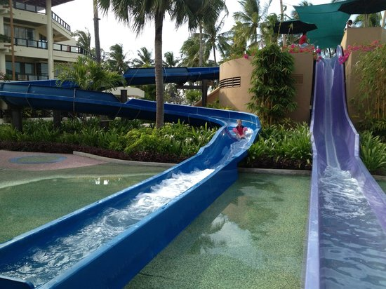 Shangri-La's Tanjung Aru Resort & Spa:                   Kids outdoor water play area