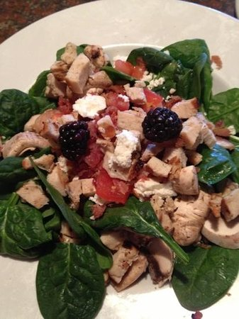 Black Eyed Pea: blackberry spinach salad with chicken