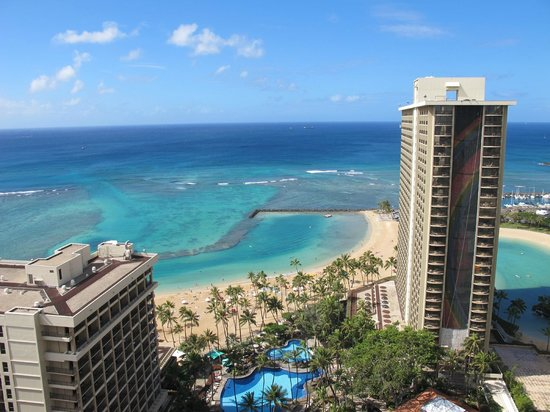 Hilton Hawaiian Village Waikiki Beach Resort:                   View from the 27th floor of Tapas