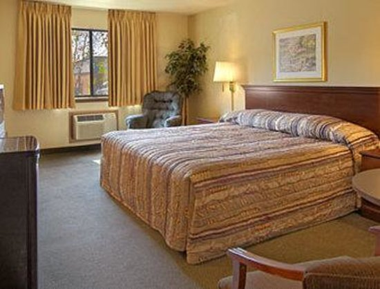 Rodeway Inn: Standard King Bed Room