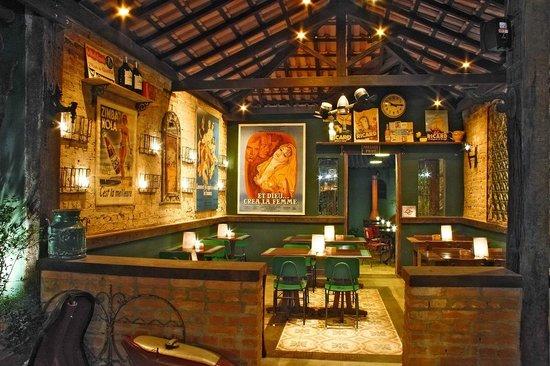 Bistrô Robin des Bois : Outro salão da casa