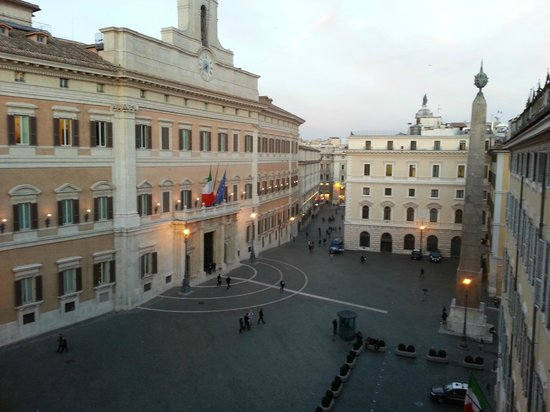 Hotel Nazionale A Montecitorio:                   View from the Lounge window (Room 414)