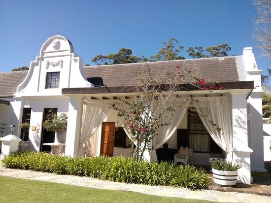 Lairds Lodge Country Estate:                   beautiful cape dutch architecture