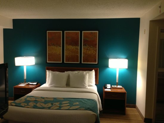 Residence Inn New Orleans Metairie:                   Bed