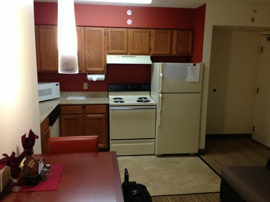 Residence Inn New Orleans Metairie:                   Full kitchen