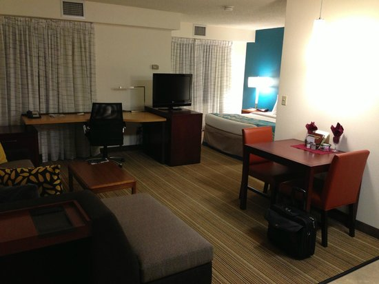 Residence Inn New Orleans Metairie:                   Room