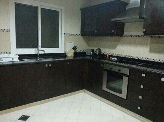 Rose Garden Hotel Apartments - Bur Dubai:                   wooden kitchen