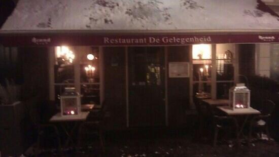 outside restaurant de gelegenheid