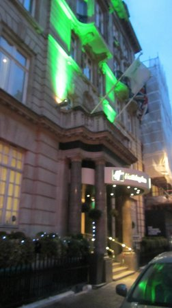 Holiday Inn Oxford Circus:                   Entrada del Hotel