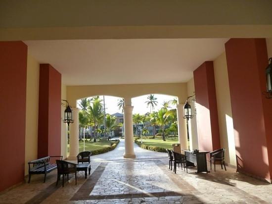 Ocean Blue & Sand:                   villa 7