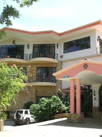 La Mansion Inn:                   Quite hotel