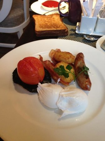 St. Ermin's Hotel, Autograph Collection:                                     English breakfast