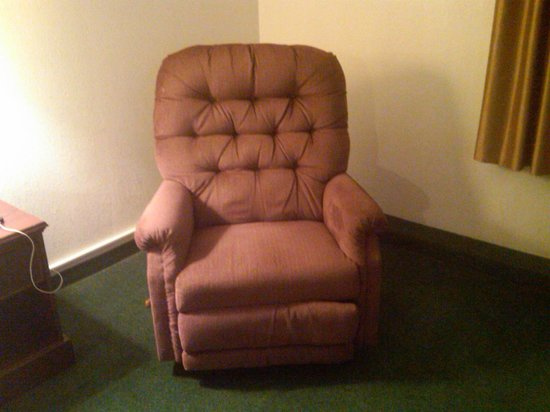 Stonebridge Hotel Fort McMurray:                   70s recliner