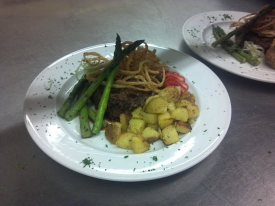 The Clubhouse Restaurant: filet mignon
