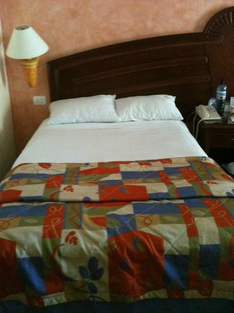 Grand Bahia Principe Coba:                                     Double bed size