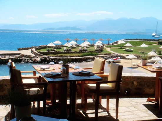 Elounda Mare Relais & Chateaux hotel:                   Yacht Club