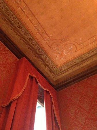 Duodo Palace Hotel:                   affresco soffitto