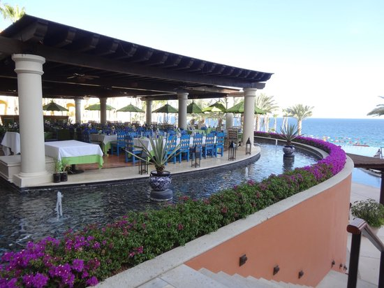Hilton Los Cabos Beach & Golf Resort:                   Restaurant overlooking the beach and infinity pool, great place for breakfast.