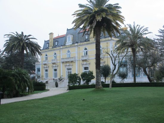 Pestana Palace Lisboa Hotel & National Monument:                   back of hotel