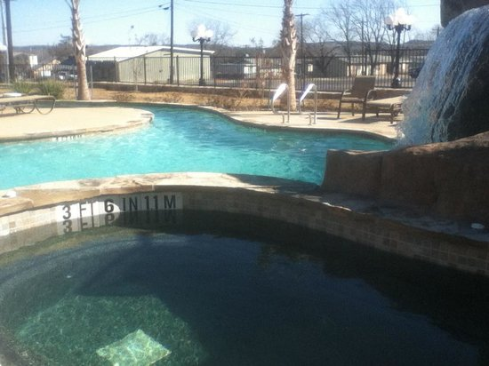Holiday Inn Express & Suites Fredericksburg:                   Unheated-too bad for off season guests.