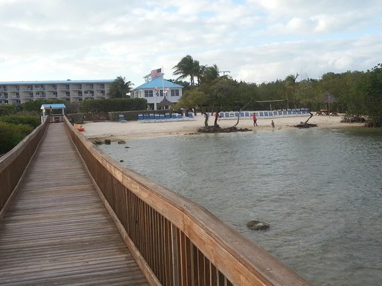 Ocean Pointe Suites at Key Largo:                   View of the Beach from the boardwalk