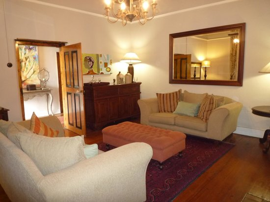 De Doornkraal Historic Country House Boutique Hotel:                   sitting room off the bedroom