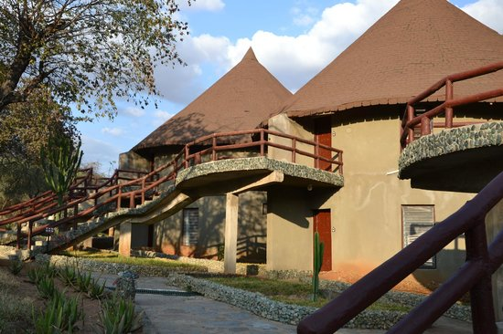 Tarangire Sopa Lodge:                   Path to rooms