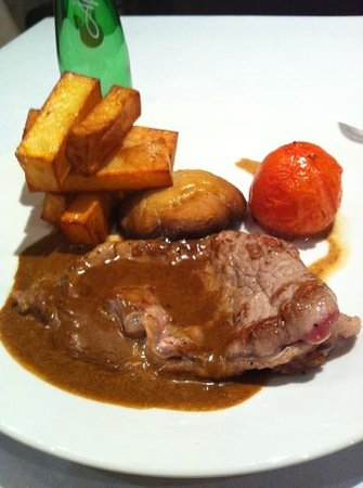 Great Victoria Hotel:                   stake was delicious and the chips.