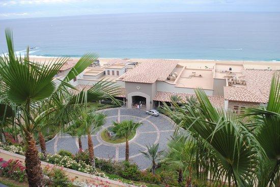 Pueblo Bonito Sunset Beach Golf & Spa Resort:                   Entrance to Hotel