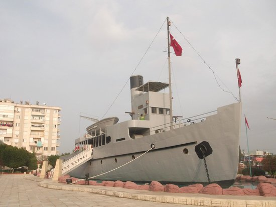 Nusret Minelayer Museum