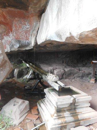 Vat Phou complex Temple - World Heritage:                   Eau bénite