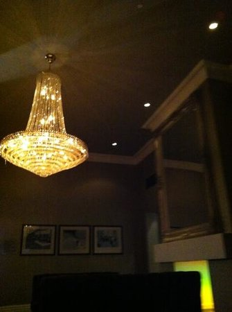Great Victoria Hotel:                   the sitting area for drinks.