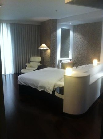 Hilton Madrid Airport:                   my room!
