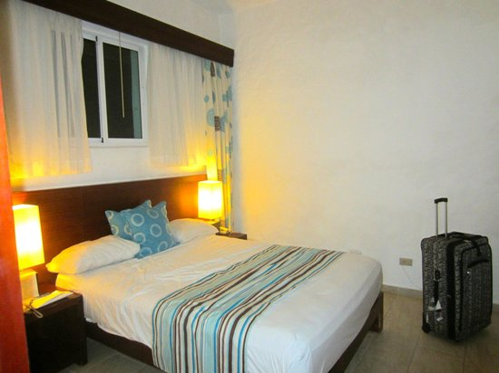 Grand Paradise Playa Dorada :                   2nd room