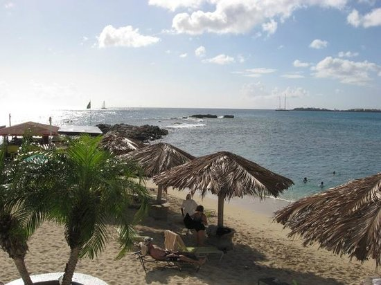 Simpson Bay Resort & Marina:                   Resort Beach