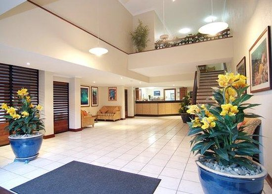 Trinity Beach Club Holiday Apartments: Lobby