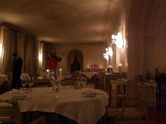 โรงแรมทิโวลิปาลาซิโอเดเซเตียส:                   dining room